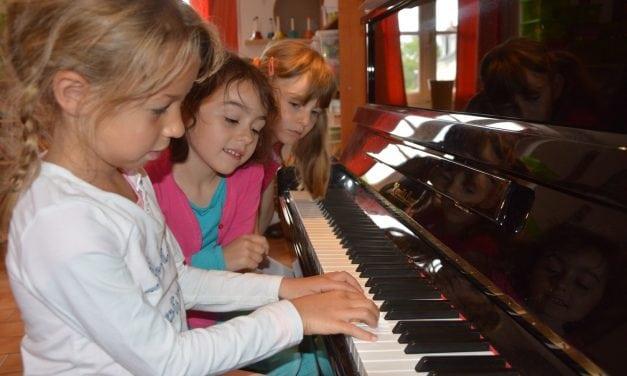 Eveil instrument (piano et guitare) & Langue des Signes pour les 5-9 ans – juillet 2016